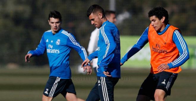 Brahim, Ceballos y Vallejo, durante el entrenamiento de este lunes.