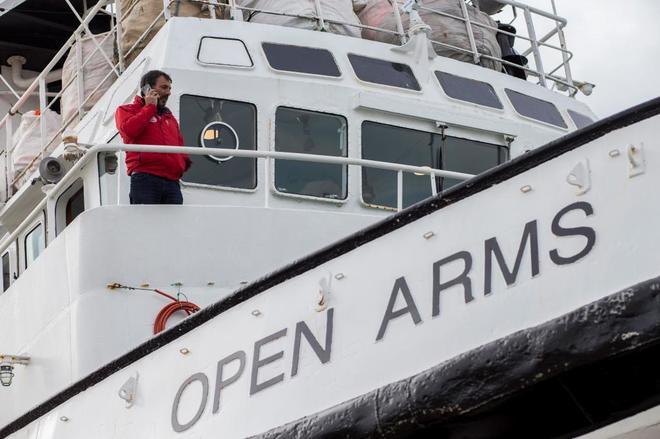 El fundador de la ONG 'Open Arms', Oscar Camps , tras recibir el despacho del Ministerio de Fomento.