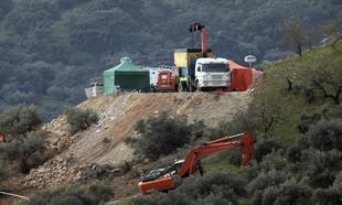 Trabajos de excavación en la localidad malagueña de Totalán para...