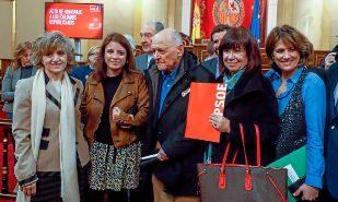 Las ministras de Justicia y Sanidad, Dolores Delgado y María Luisa...
