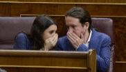 El secretario general y la portavoz de Podemos, Pablo Iglesias e Irene...