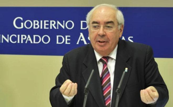 Vicente Álvarez Areces, en su época de presidente de Asturias.