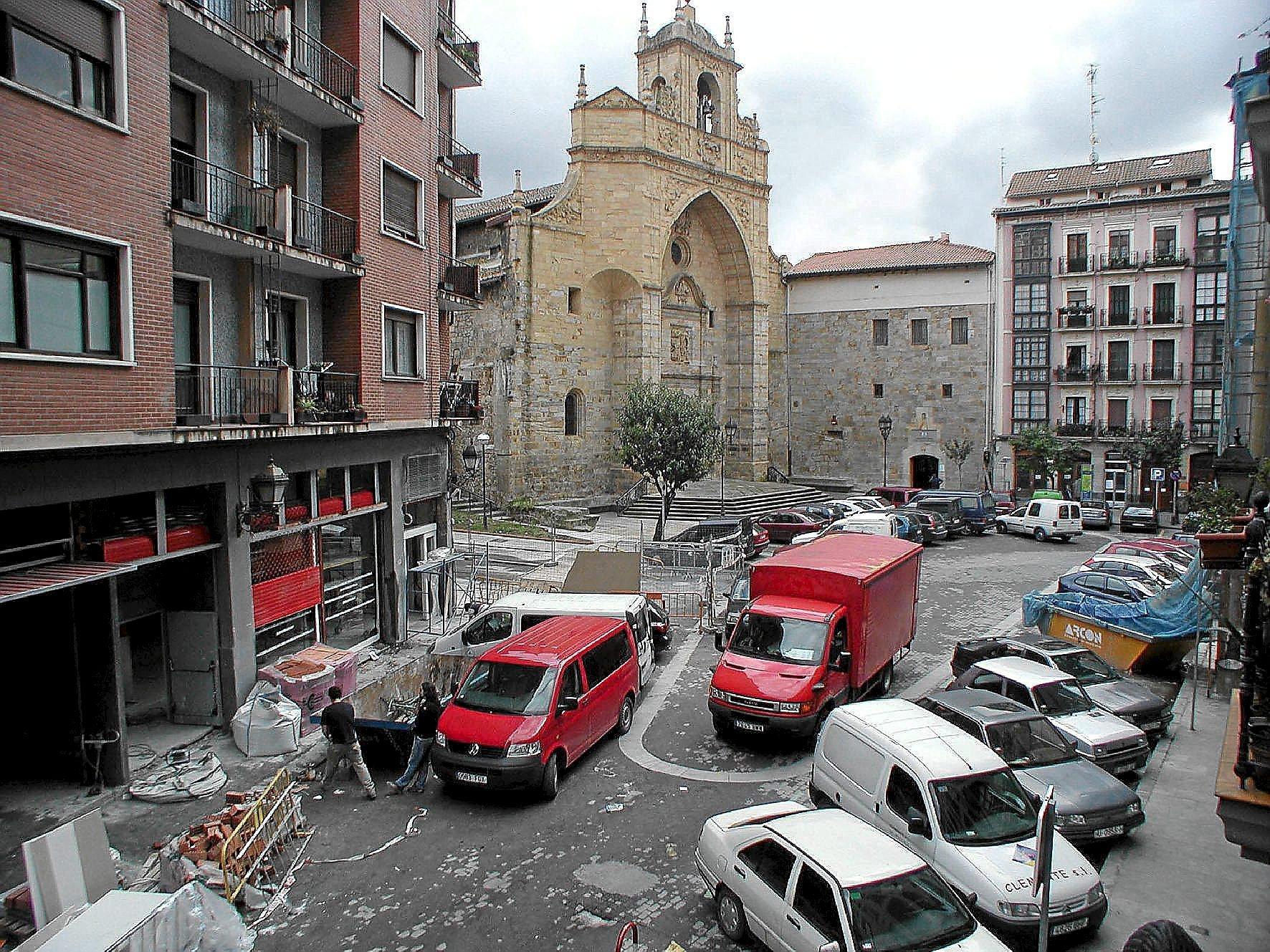 Imagen de la plaza de la Encarnación en el barrio de Atxuri, en Bilbao