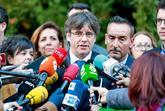 El ex presidente Carles Puigdemont se dirige a los medios tras la...