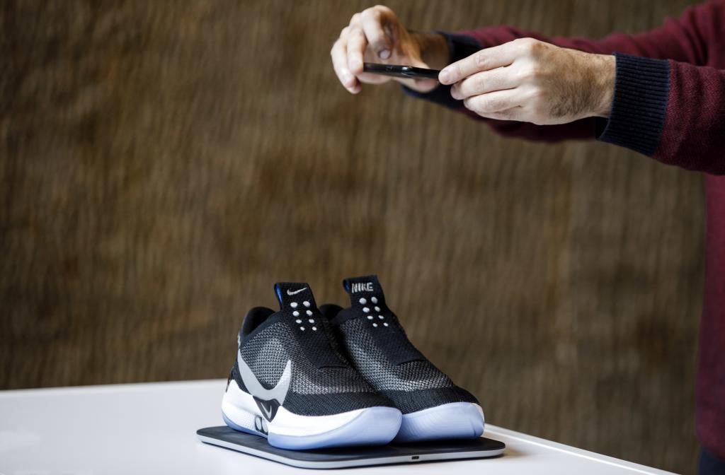 26340409c50f Locura  sneaker   por qué el negocio de las zapatillas mueve ya ...