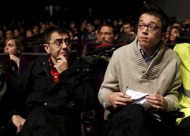 Juan Carlos Monedero e Íñigo Errejón, durante un acto de campaña de Podemos en 2014.