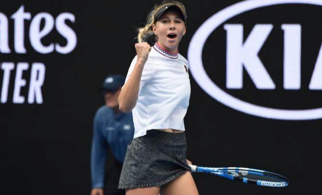 Anisimova festeja un punto durante su partido ante Sabalenka.
