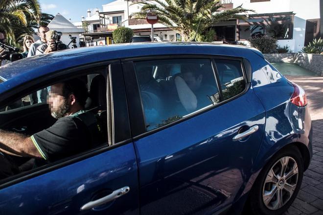 Efectivos de la Guardia Civil trasladan en coche a Raúl D.C.,...