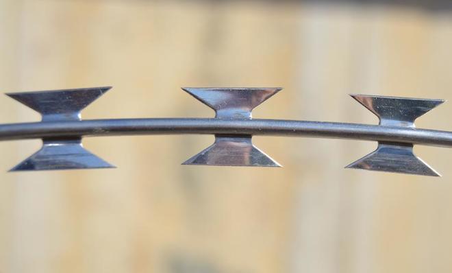 Imagen de una concertina como las que se usan en las vallas de las ciudades fronterizas españolas.