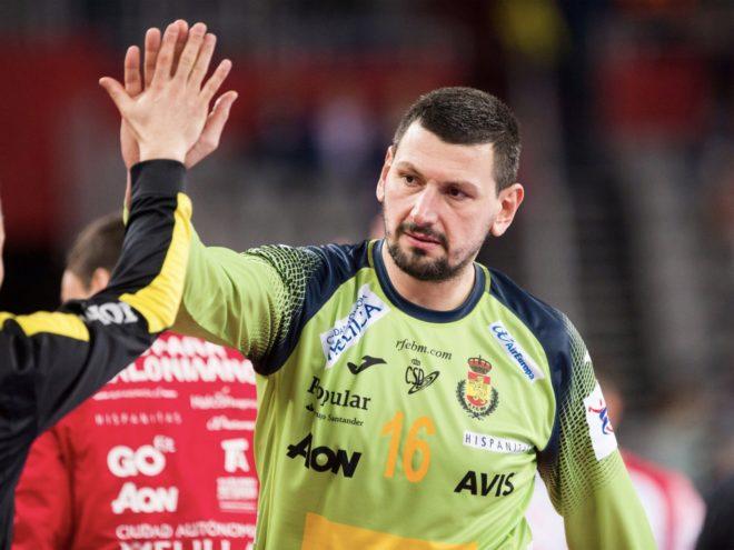 Sterbik, durante un partido con la selección española.