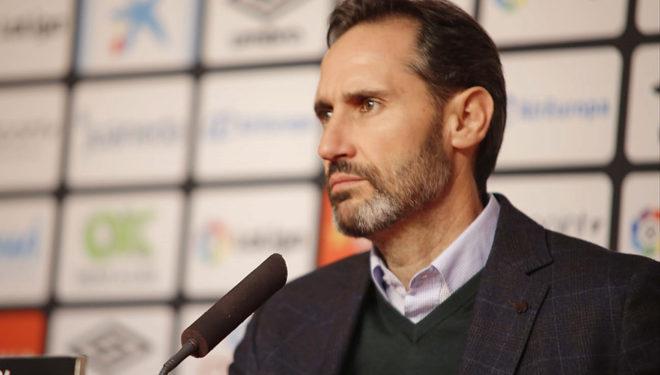 Vicente Moreno, durante una rueda de prensa de esta temporada.