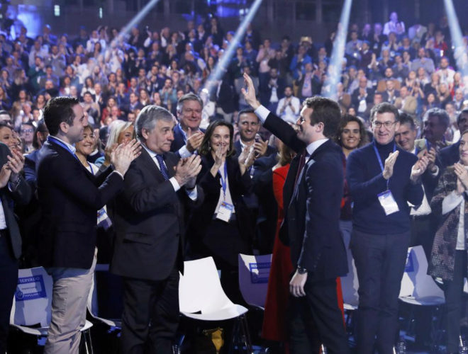 Pablo Casado recibe el aplauso de los asistentes a la convención del...
