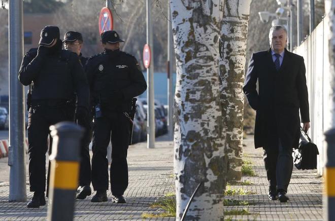 El ex tesorero del PP Luis Bárcenas, a su llegada a la Audiencia...