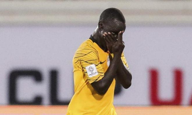 Awer Mabil celebra un gol en la Copa de Asia con un gesto dedicado a los enfermos mentales.