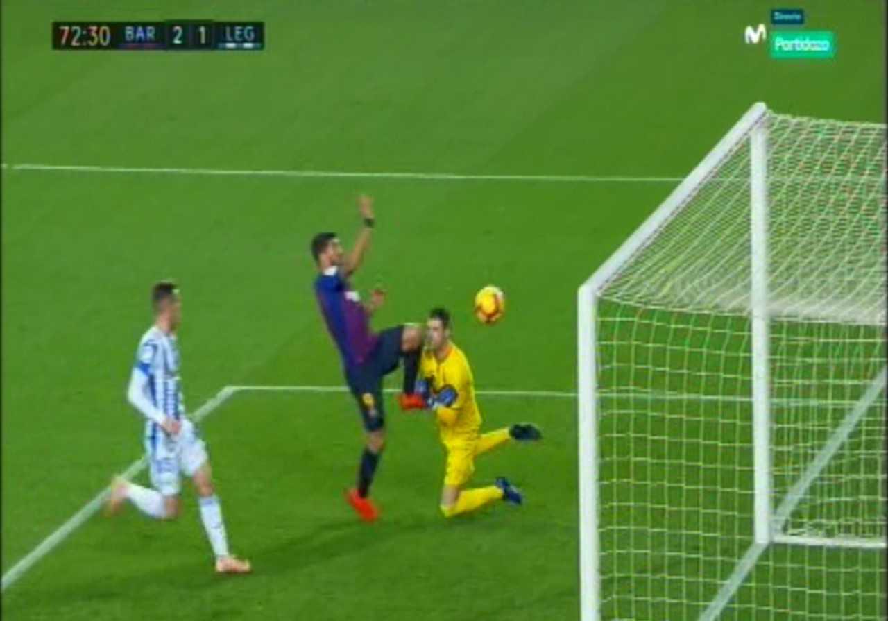 El polémico gol de Luis Suárez: ¿hubo falta a Cuéllar?