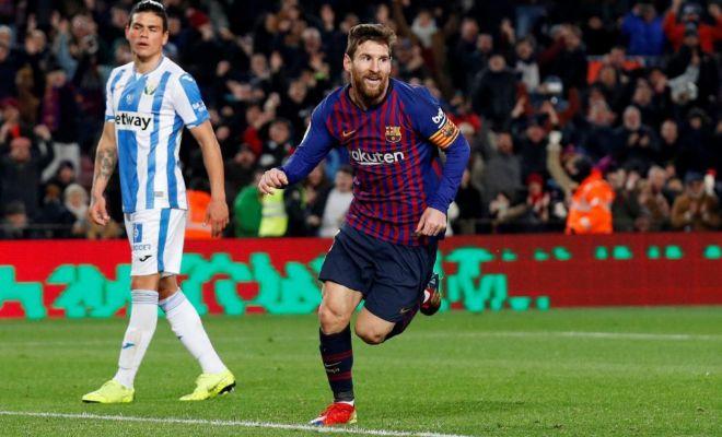 Messi festeja el último gol de la noche en el Camp Nou.