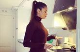 Lara Álvarez triunfa en Instagram bailando en su cocina