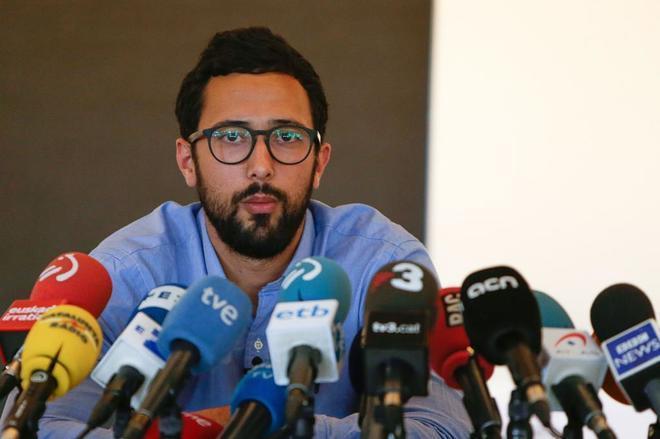 Valtonyc en su rueda de prensa de ayer en Bruselas.