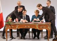 Emmanuel Macron y Angela Merkel firman el Tratado de Aquisgrán.