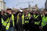 El portavoz de Élite Taxi dirigiéndose a la asamblea de taxistas de...
