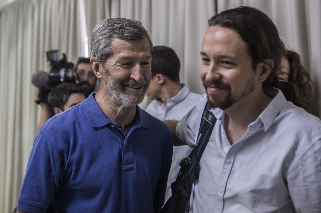 Pablo Iglesias, junto a Julio Rodríguez..