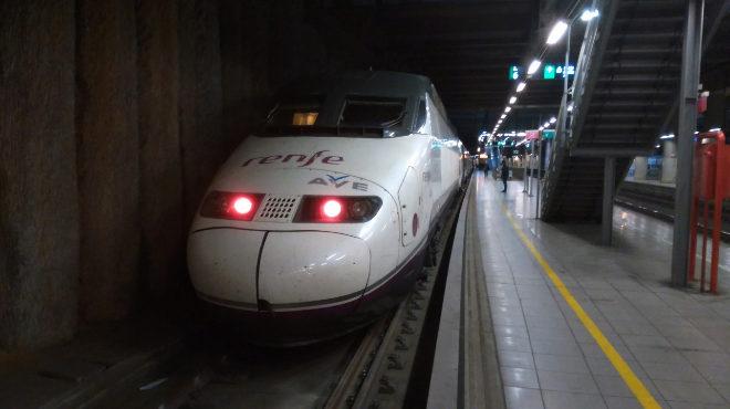 AVE con salida desde la estación de Castellón a Madrid.