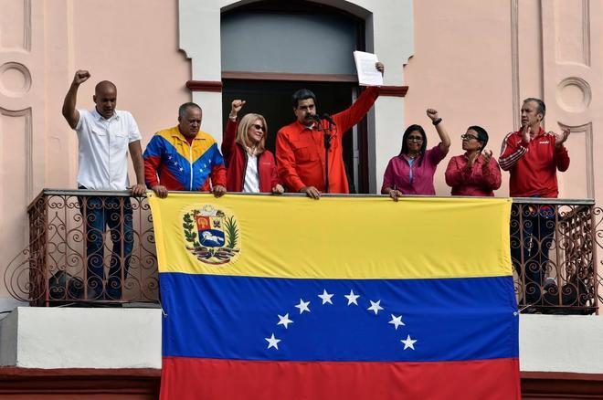 Maduro rompe relaciones con EE.UU. Dio 24 horas para que diplomáticos salgan del país