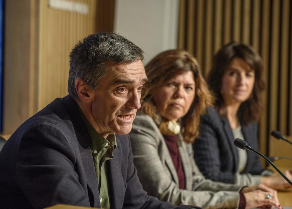 Fernández, Alonso y Ezenarro en la presentación de las alegaciones.