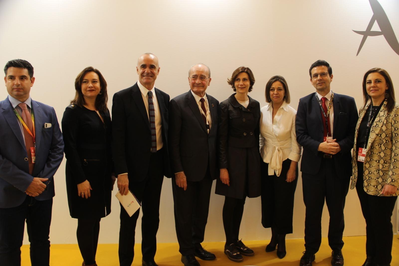 Los alcaldes de Granada, Málaga y Córdoba y el delegado de Turismo de Sevilla junto a otros responsables de Andalusian Soul.
