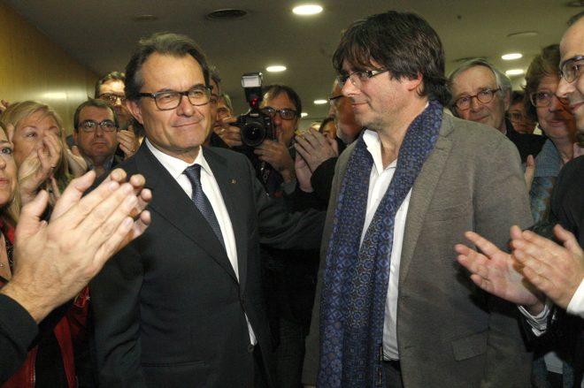 Artur Mas y Carles Puigdemont el 9 de enero de 2016.