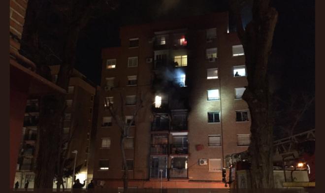 Edificio en el que se generó el incendio en Vallecas.