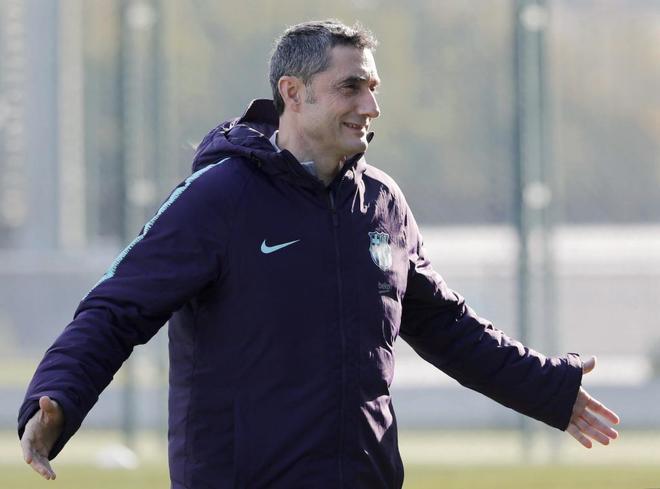 Valverde, durante el entrenamiento del Barça.