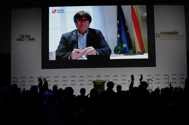 Congreso constituyente de la Crida por la Republica con Carles Puigdemont