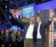 Los presidentes del PP y la Junta de Andalucía, Pablo Casado y Juanma Moreno, durante la convención nacional del PP