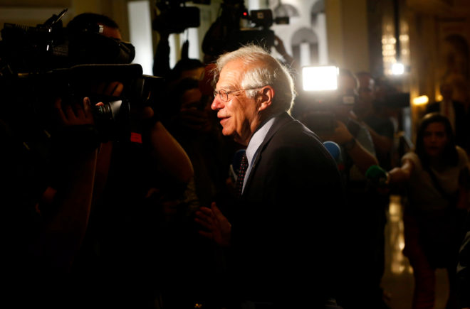 El ministro de Asuntos Exteriores, Josep Borrell, en un desayuno informativo