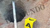 Medición que hizo la Guardia Civil del pozo. Son 28 centímetros de...