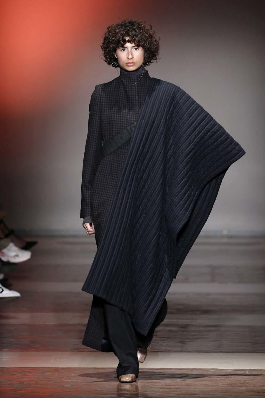 Desfile de Angel Schlesser - Mercedes-Benz Fashion Week Madrid -...
