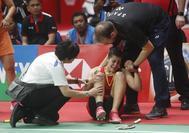 Carolina Marin, tras sufrir la lesión en el Daihatsu Indonesia Masters, en Jakarta.
