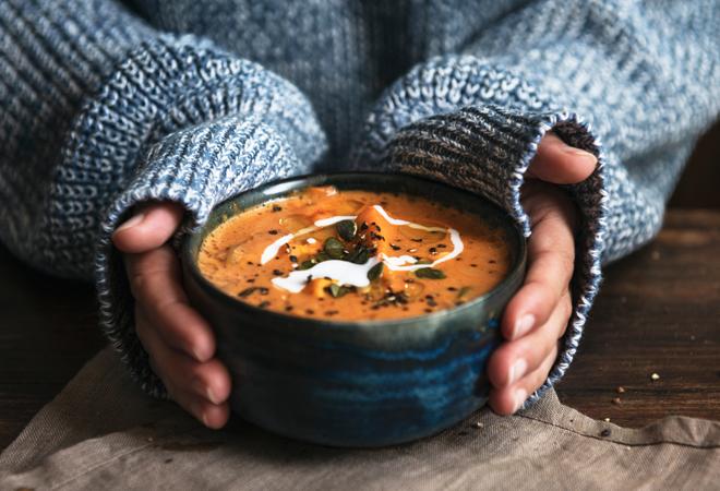Tres sopas diferentes y deliciosas para combatir el frío y los catarros