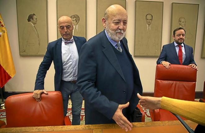 El director del CIS, José Félix Tezanos, durante su comparecencia en...