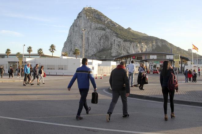 Imagen del Peñón de Gibraltar desde La Línea de la Concepción.