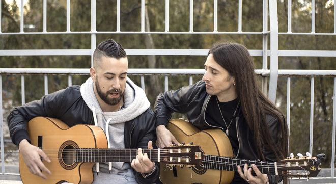 Antonio Clavería y Carlos Salado forman la banda Uña y Carne, que quiere presentar 'Rumbas para el nuevo mundo'.