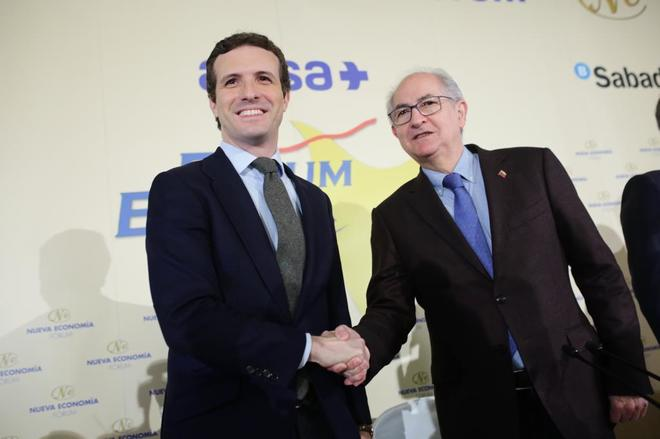 El presidente del Partido Popular, Pablo Casado, y el ex alcalde de Caracas, Antonio Ledezma.