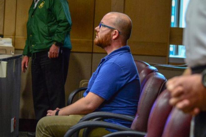 El miembro del jurado 'Collins', durante la celebración del juicio...