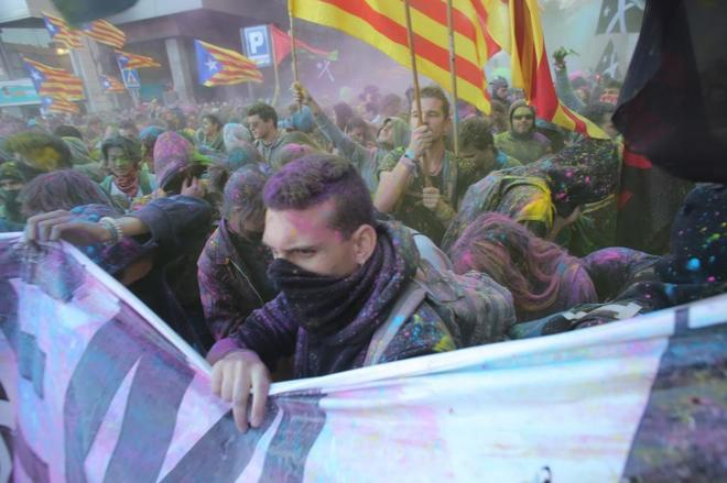 Concentración frente a la subdelegación del Gobierno en Girona el pasado octubre, en el primer aniversario del 1-O.