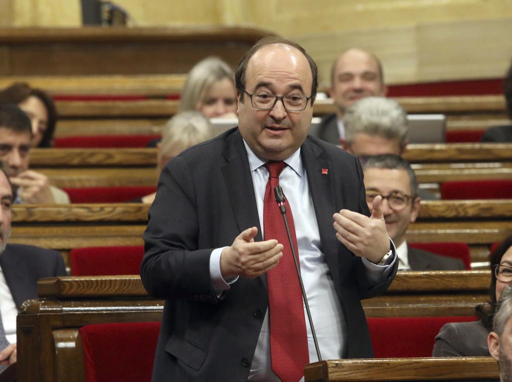 Miquel Iceta en el pleno Parlament de control del Govern