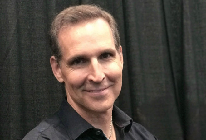 El empresario, escritor, dibujante y coleccionista, Todd McFarlane.