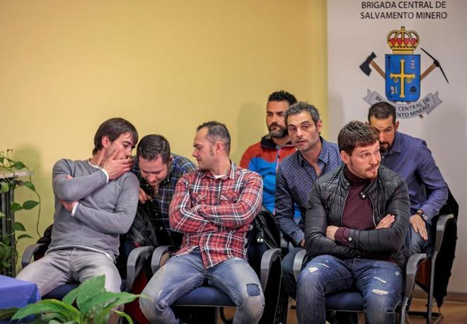 Los ocho integrantes de la Bigrada de Salvamento Minero que...