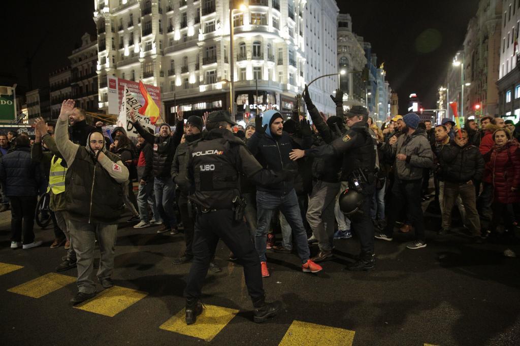 Manifestantes ocupan la Gran Vía el pasado jueves.