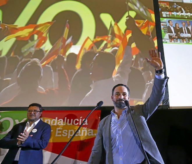 Santiago Abascal, líder de Vox, y su portavoz andaluz, Francisco Serrano, tras las elecciones andaluzas.